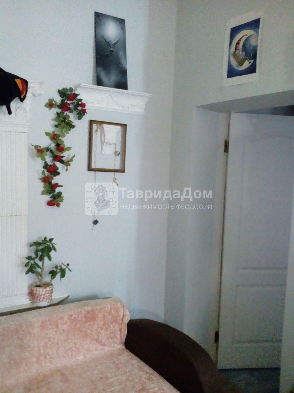 Дом в аренду по адресу Россия, Республика Крым, Феодосия, Адмиральский б-р, 5